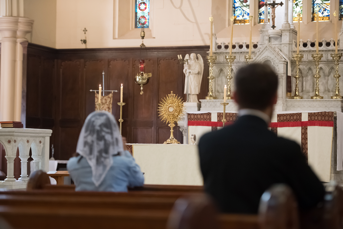 Adoration-at-St-Benedicts-Broadway_WDPV